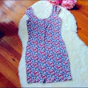 🌸Divided by H&M 🌸 Floral stretchy mini-dress